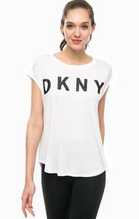 Белая футболка с принтом Dkny