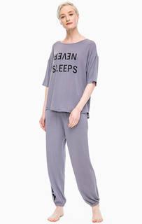 Домашний комплект из серых футболки и брюк Dkny