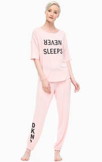 Домашний комплект из розовых футболки и брюк Dkny