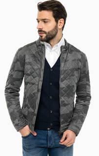 Демисезонная куртка с камуфляжным принтом Guess