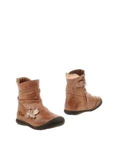 Полусапоги и высокие ботинки Chipie