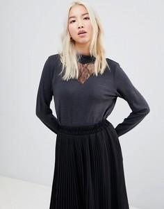 Блузка с кружевной вставкой и высоким воротом b.Young - Черный
