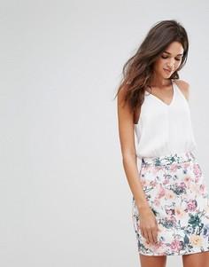 Платье мини с цветочным принтом на юбке AX Paris - Кремовый