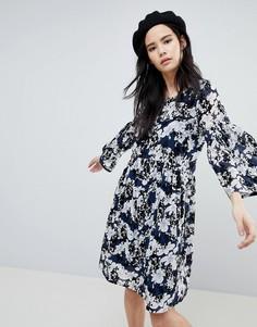 Свободное платье с цветочным принтом Soaked In Luxury - Синий