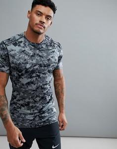 Серая компрессионная футболка с камуфляжным принтом Nike Training 924853-065 - Серый