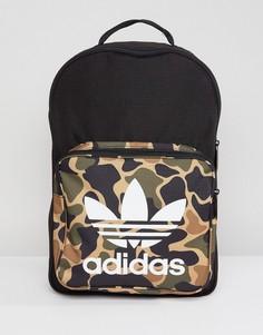 Рюкзак с камуфляжным принтом adidas Originals CD6121 - Зеленый