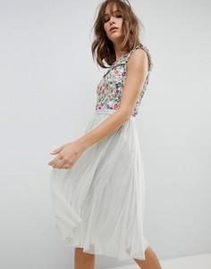 Платье миди с цветочной вышивкой Needle & Thread - Синий