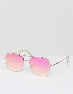 Солнцезащитные очки-авиаторы в золотистой оправе с красными затемненными стеклами Quay Australia Running Riot - Золотой