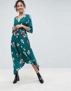 Платье миди с запахом, цветочным принтом и рукавами клеш Influence - Зеленый