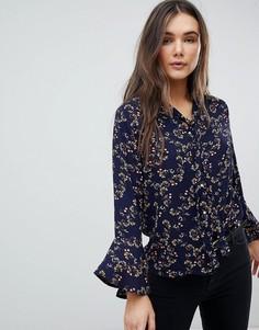 Блузка с цветочным принтом и завязкой на бант QED London - Темно-синий