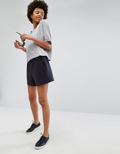 Свободные шорты из вискозы Monki - Черный