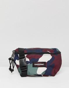 Сумка-кошелек на пояс объемом 2 л с камуфляжным принтом Eastpak Springer - Зеленый