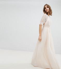 Сетчатое плиссированное платье макси с оборкой в горошек TFNC WEDDING - Розовый