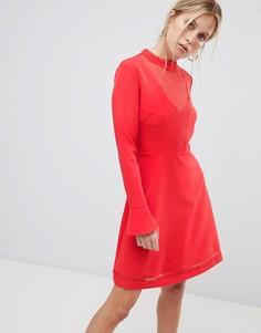 Короткое приталенное платье с сетчатой вставкой Morgan - Красный