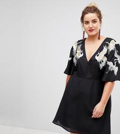 Платье мини с рукавами клеш и вышитыми птицами ASOS CURVE - Черный