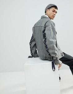 Серая джинсовая куртка oversize со шнуровкой на рукавах ASOS - Серый
