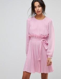 Розовое платье с оборкой Max&Co - Розовый