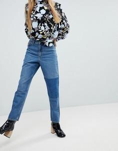 Джинсы в винтажном стиле с нашивкой Monki - Синий