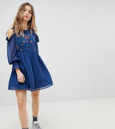 Свободное платье с вырезами на плечах и вышивкой Glamorous Petite - Темно-синий