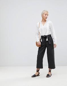 Укороченные широкие брюки в тонкую полоску New Look - Черный