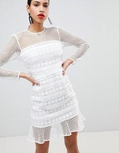 Кружевное платье с оборкой River Island - Кремовый