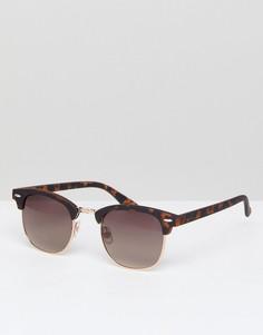 Солнцезащитные очки в коричневой черепаховой оправе River Island - Коричневый
