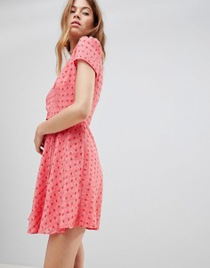 Чайное платье мини с принтом роз и поясом Glamorous - Розовый