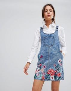 Джинсовый сарафан мини с цветочной вышивкой Glamorous - Синий