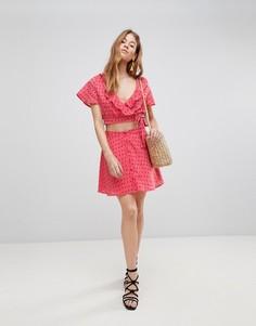 Мини-юбка на пуговицах из комплекта с принтом роз Glamorous - Розовый