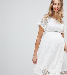 Короткое приталенное кружевное платье с расклешенными рукавами ASOS MATERNITY - Кремовый
