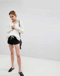 Классические шорты для бега с контрастным кантом ASOS - Черный