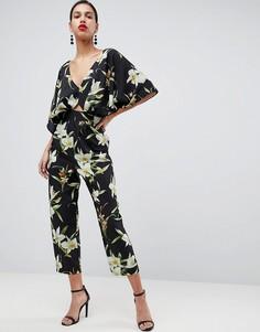 Комбинезон с рукавами кимоно и цветочным принтом ASOS - Черный