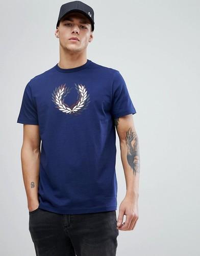 Темно-синяя футболка с логотипом в виде лаврового венка Fred Perry Storted - Темно-синий