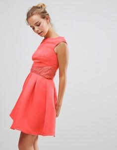 Приталенное платье с расклешенной юбкой и кружевной отделкой Little Mistess - Розовый
