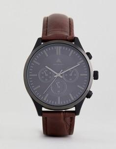 Часы с кожаным крокодиловым ремешком и контрастным черным корпусом ASOS PLUS - Коричневый