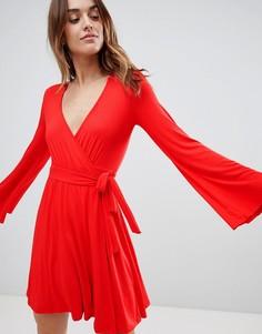 Короткое приталенное платье с запахом Ivyrevel - Красный