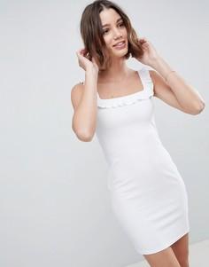 Платье мини в рубчик с оборкой ASOS DESIGN - Белый