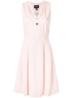 приталенное платье с V-образной горловиной с брошью Cavalli Class