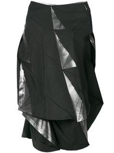 платье в стиле оригами с открытыми плечами  Issey Miyake