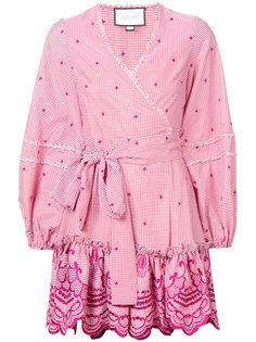 платье в клетку гингем с запахом и вышивкой Alexis
