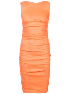 присборенное платье кроя по фигуре Nicole Miller