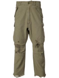 укороченные брюки с декоративными дырами R13