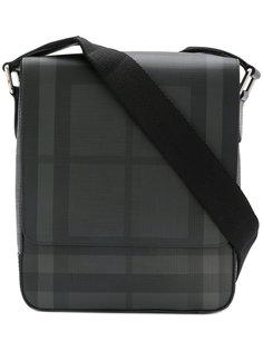 b5e1ad095d00 Купить мужские сумки на плечо Burberry в интернет-магазине Lookbuck