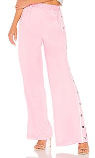 Спортивные штаны с пуговицами сбоку athletic pant - Lovers + Friends