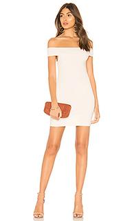 Мини-платье с открытыми плечами tracy - by the way.