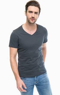 Серая футболка с треугольным вырезом S.Oliver