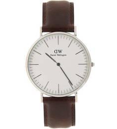Часы с коричневым кожаным браслетом Daniel Wellington