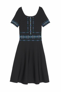 Черное платье с вышивкой Sandro