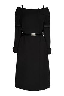 Черное пальто с открытыми плечами Prada