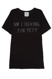 Черная футболка с надписью Zoe Karssen